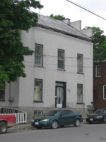 House with stepsides